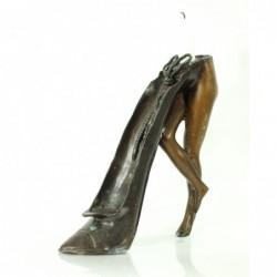 Lysestage udformet med sko...